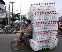 最大積載量を完全に無視したベトナムのバイク乗り達の画像!