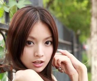 TSUBAKIのCMに出演中の中国美女アンナ・ケイ。今年から本格的に日本進出!?